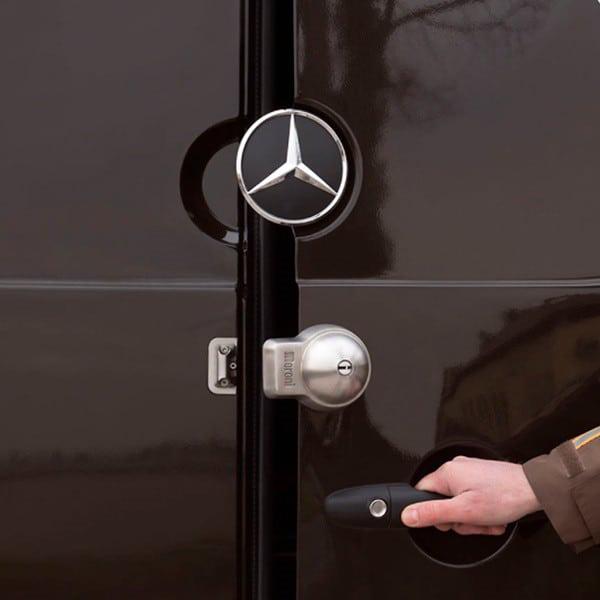 Cerradura MERONI UFO+ puerta abierta
